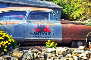 800px-American_Pickers_Antique_Car