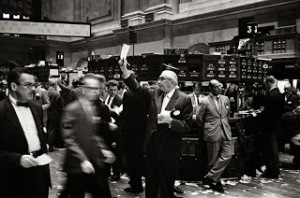 800px-NY_stock_exchange_traders_floor_LC-U9-10548-6