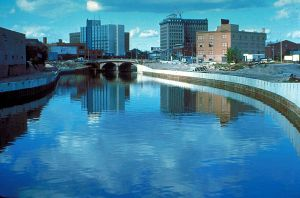 800px-Flint_River_in_Flint_MIchigan